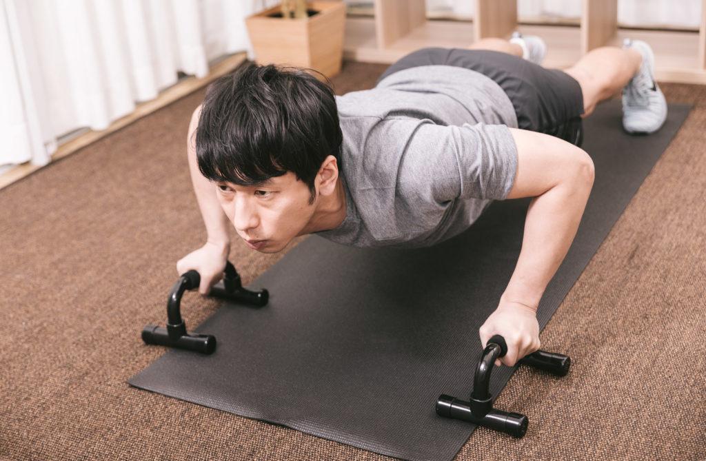 「男性のアンチエイジング」 筋トレで肌にハリつやを与える方法